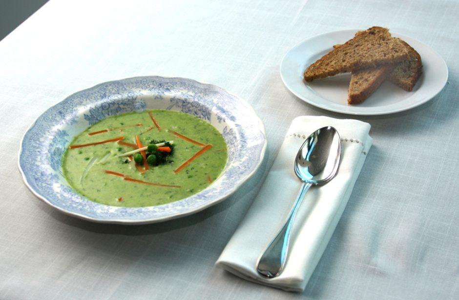 Grønn ertesuppe fra Oselias kokebok. Foto: Tore Knutsen
