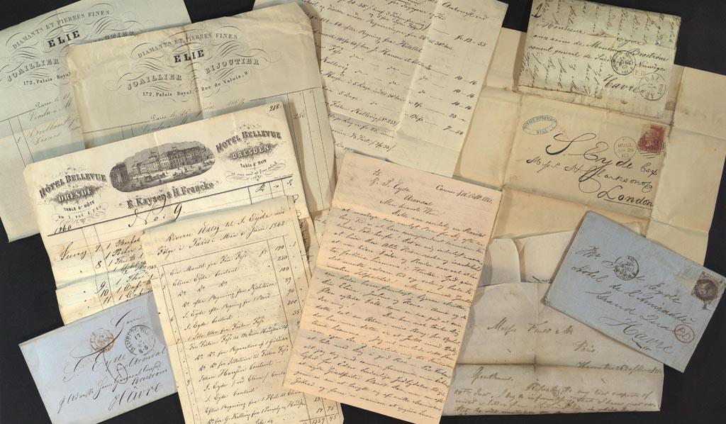Et utvalg reisekvitteringer og brev fra en av  Eydefamiliens reiser til Paris. Arkiv: Eydes samling, AAks. Foto Tore Knutsen.