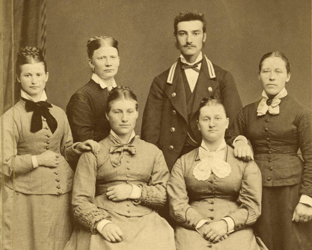 Gruppebilde - Othelia fotografert i 1880