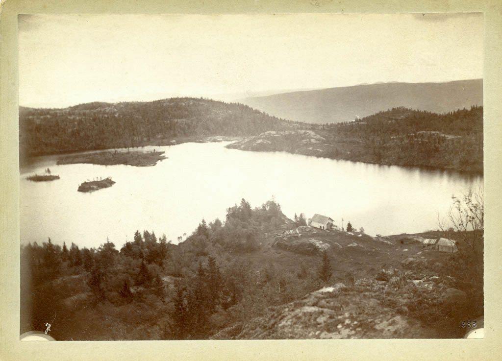 Hytta på Kallinsheia i Åmli, foto et tatt av Christian Eyde selv.