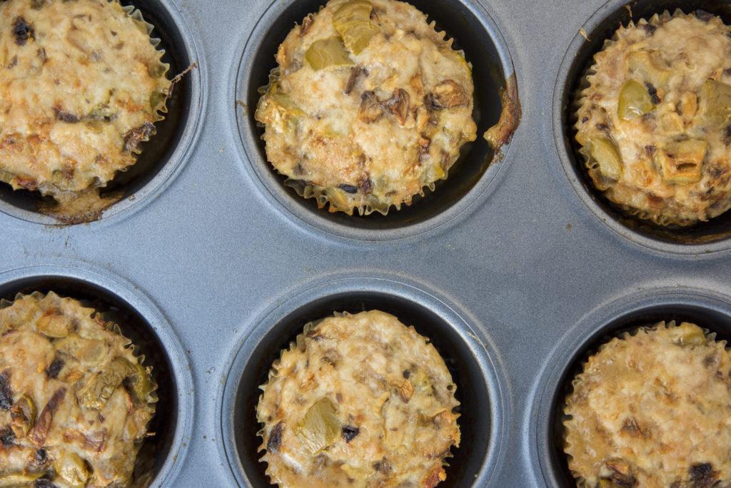 Vi hadde nok ikke trengt å bruke muffinsformer inni denne teflonformen.